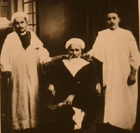 Mohammed Ben Abdelkrim El Khattabi (L) as well as his father (C) and brother (R)