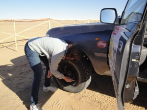 Benedicte Clarkson checking her car (Photo by Benedicte Clarkson for Morocco World News)