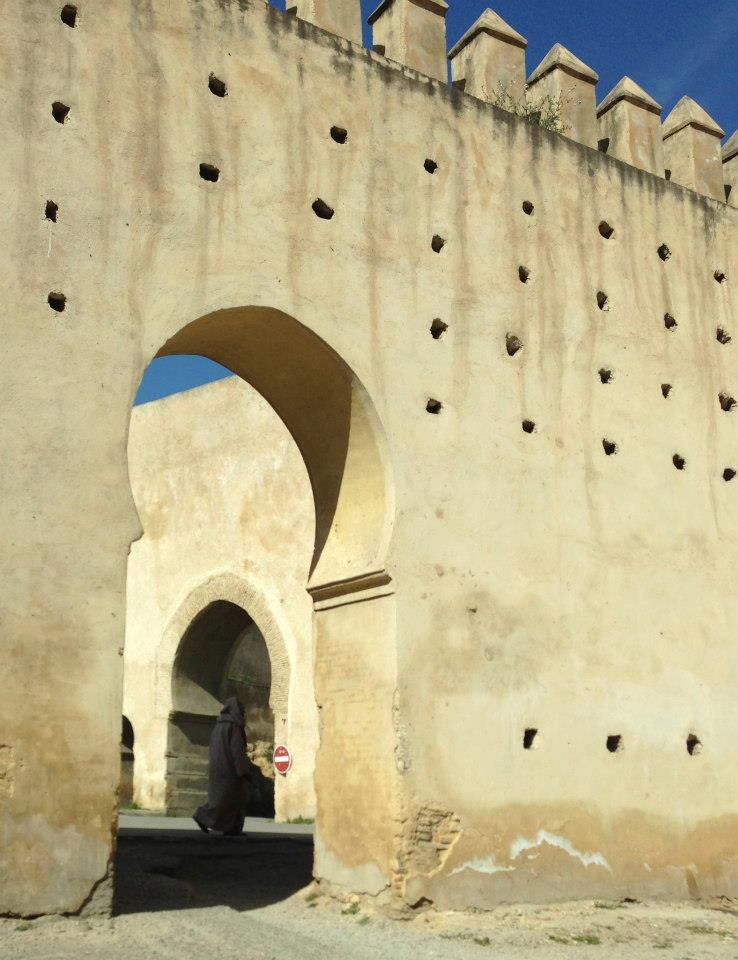 Giant old wall in the old Medina of Fez. Photo by Paulina Velasco