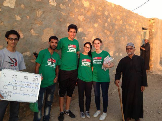 A group of Volunteers from Volunteer Morocco association