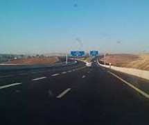 Algeria builds a highway, forgets fences, services stations, rest areas