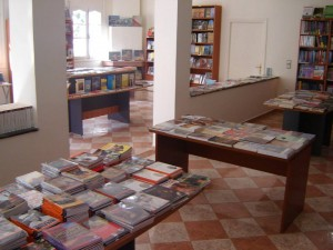 Library at the ALIF Post, a part of the American Language Center in Fez. Photo by Yahya Bouhafa for Morocco World News