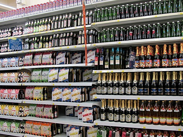 Morocco's Marjane holding to stop selling alcohol beverages