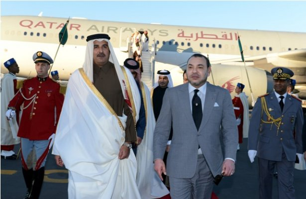 King Mohammed VI receiving Emir of Qatar Sheikh Tamim Bin Hamad Al-Thani at Marrakech airport