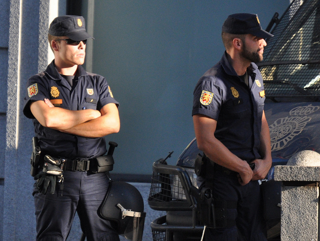 Spanish Authorities Raid House of Imam Accused of Connection with Barcelona's Terror Attacks
