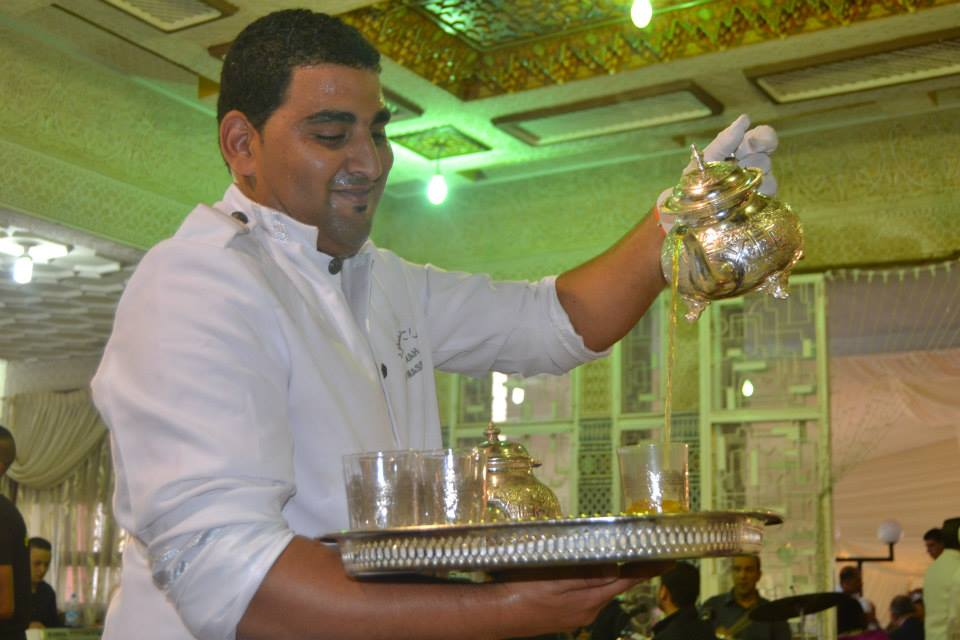 Man serving Moroccan Mint Tea. Photo by Morocco World News