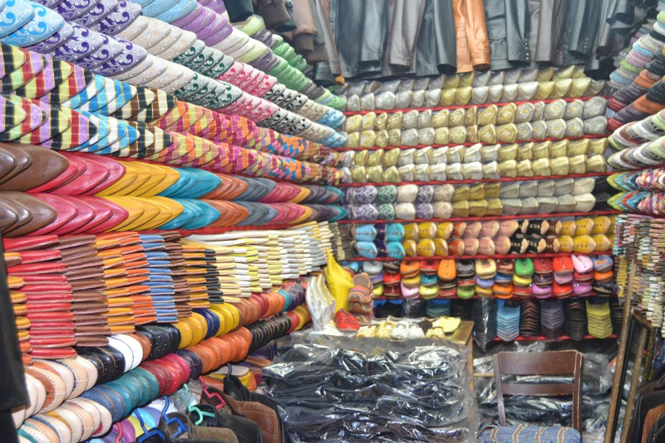 Moroccan Babouch presented in a shop the heart of the Fez Medina. Photo by Morocco World News