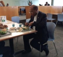 Photo of the Day: Tunisian President Having Lunch at UN Cafeteria
