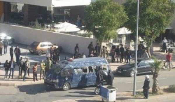 damaged vihicule of police