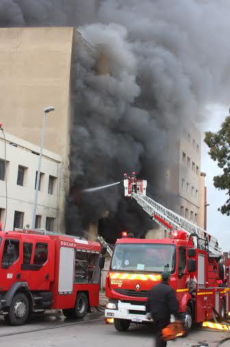 Blaze rips industrial unit in Casablanca 2