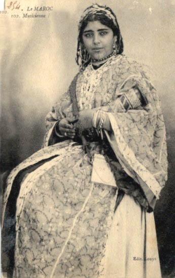 Moroccan musician woman in 1960