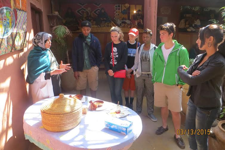 American students learning about Moroccan cuisine
