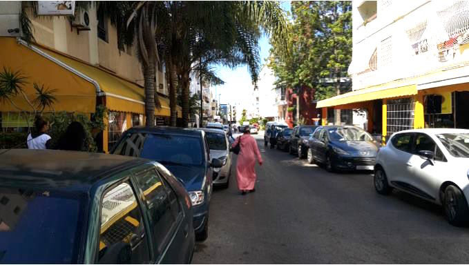 Citizens in Agdal, Rabat at the mercy of ubiquitous cars (Photo: M. Chtatou)