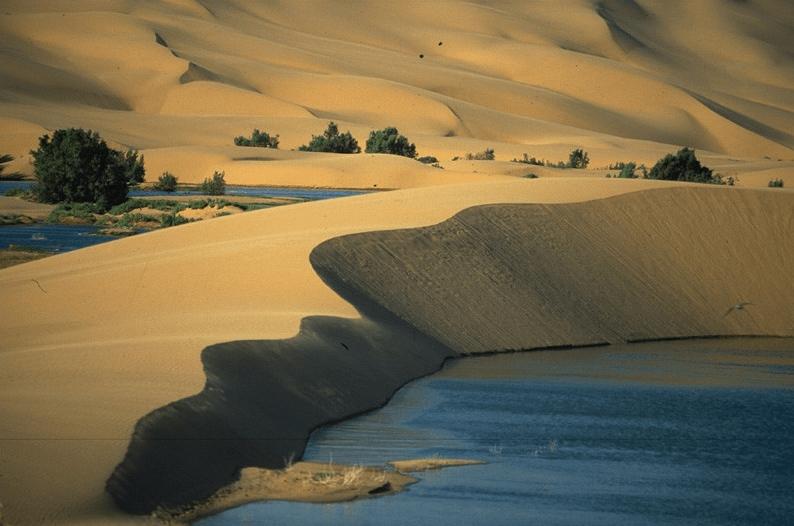 Oued Chebika beach in Tantan