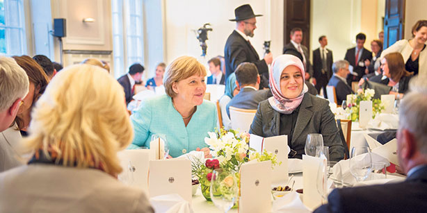 Merkel Attends Ramadan Iftar, Says Islam Belongs to Germany