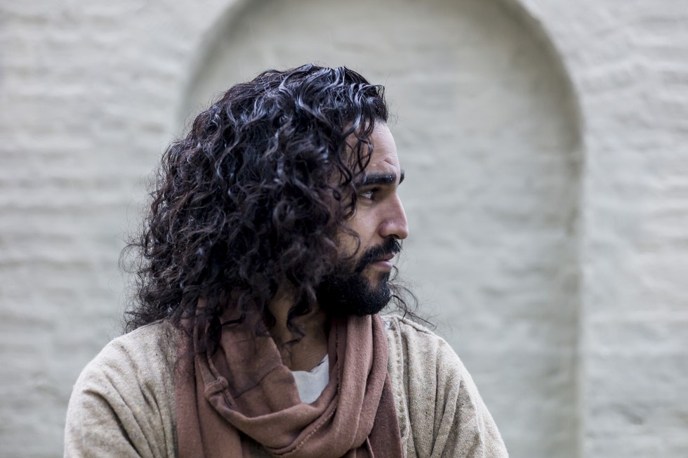 Abbie Chalgoum, Dutch-Moroccan Actor Receives Threats For Playing Jesus