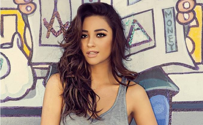 Canadian Actress Shay Mitchell in Love with Morocco