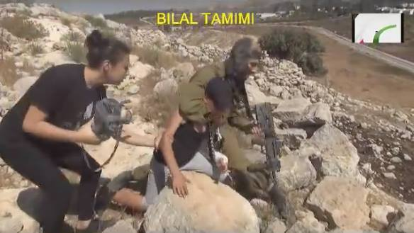 Video: Palestinian Women Hit Israeli Soldier Who Wanted to Arrest Their Child
