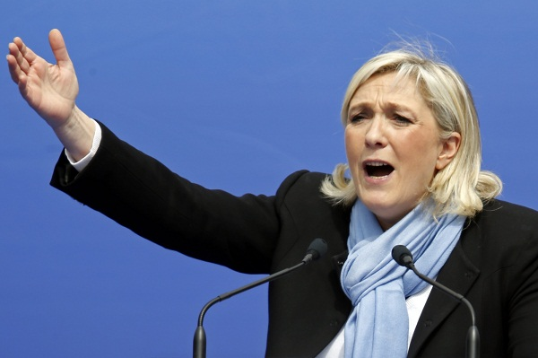 Le Pen Refuse to Wear Headscarf to Meet Lebanese Grand Muslim Mufti