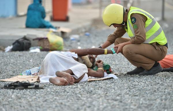 Over 300 Pilgrims Killed in Stampede in Mina Near Mecca