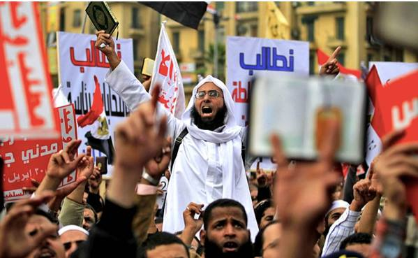 The Islamists of Algeria in street protest against the regime