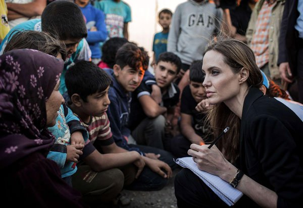 Angelina Jolie meets Syrian refugees