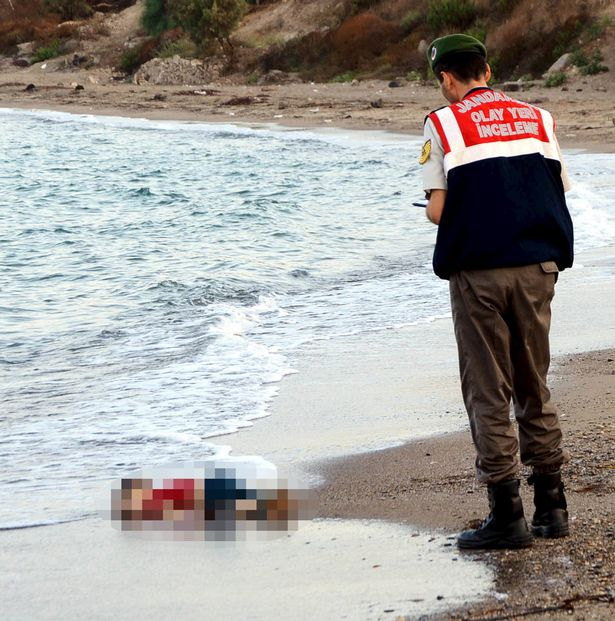UK Politicians Blames Parents of Drowned Syrian Toddler