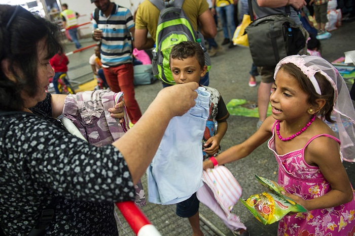 refugees-germany-volunteers-donations (1)