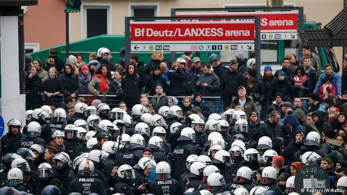 Germany: 1,000 Anti-Islam Rally Faced by 10,000 Counter-Protestors