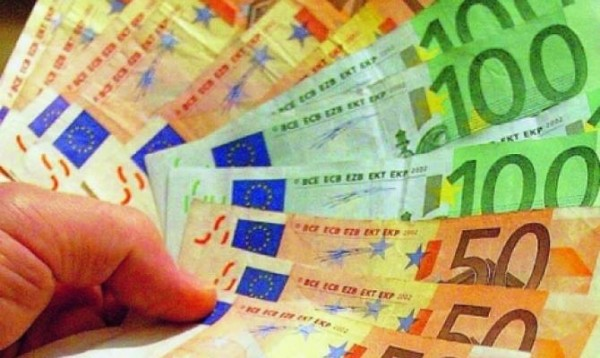 Italy: Moroccan Finds 20,000 Euros and Returns It to Owner