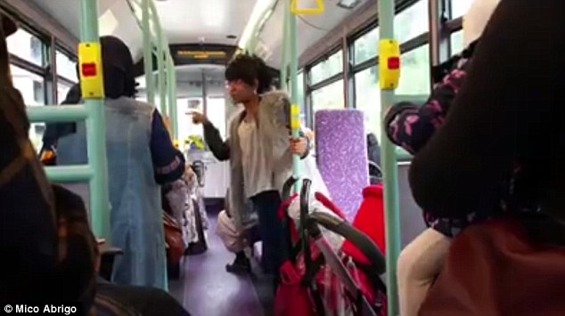 London Bus: Woman Launches Racist Rant on Pregnant Moroccan Women for Their Veil