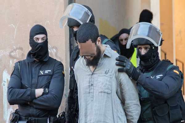 Three Moroccans Arrested in Madrid for Allegiance to ISIS