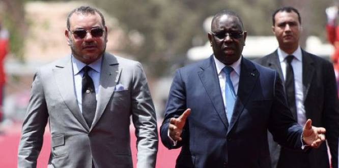 Mohammed VI and Macky Sall of Senegal in Dakar on May 21, 2015 (AFP photo)
