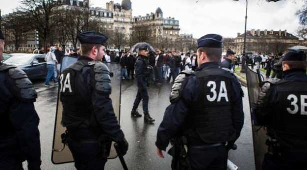 France Parliament Approves Controversial Law on Dual-Citizens Convicted on Terrorism