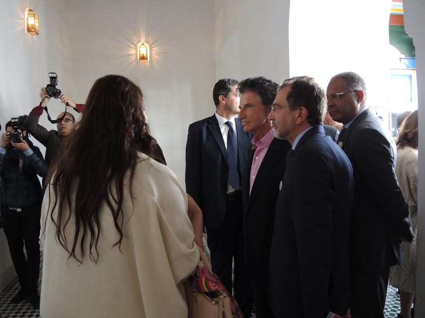 Tour by curator for ambassador jack Lang and minister of culture