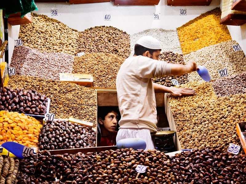 fruit vendor marrakech