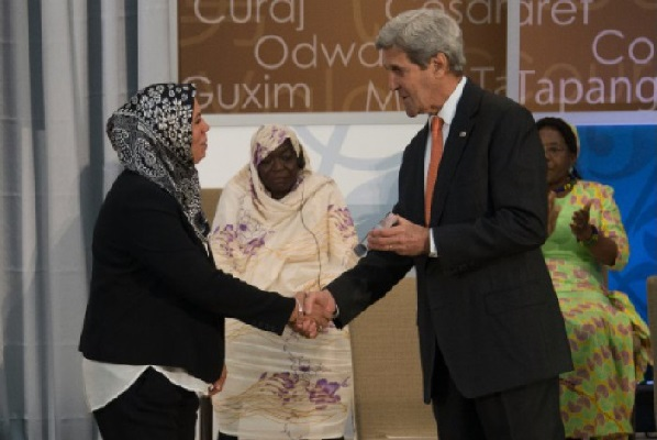 """French-Moroccan wins U.S. """"Woman of Courage"""" award for combatting extremism"""