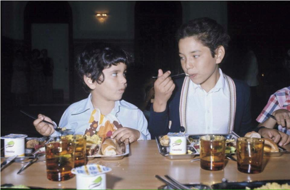KIng Mohammed VI and his brother Moulay Rachid as little boys at meal time