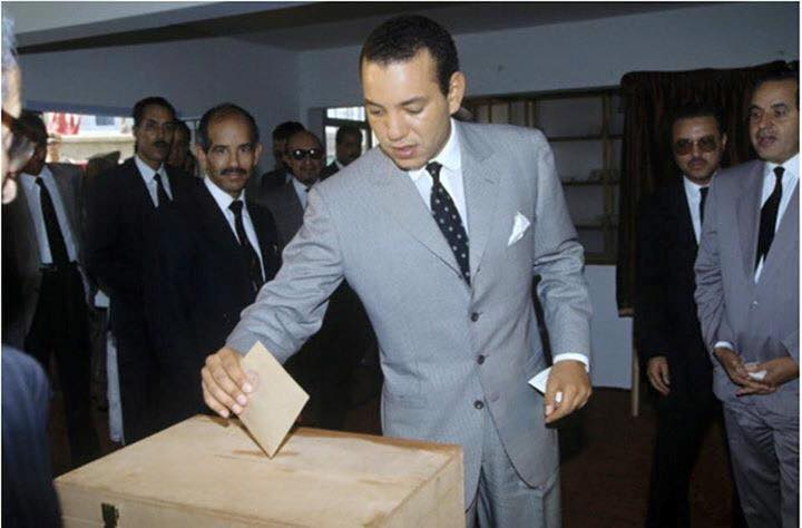 KIng Mohammed VI as a grown up addult casting a ballot