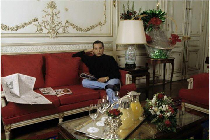KIng Mohammed VI as a grown up addult in his royal sitting room