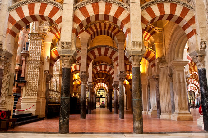 Mosque-Cathedral of Córdoba Restores Islamic Identity After Heated Debate