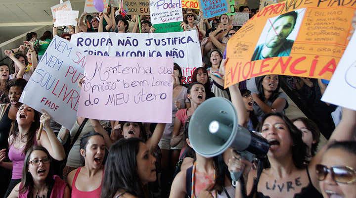 Brazil teenage girl raped by 30 men speaks out