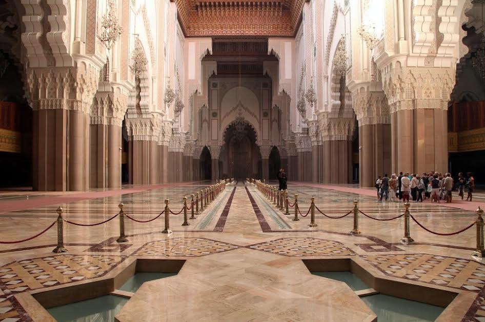 In the interior of the largest Moroccan mosque - Hassan II. in Casablanca (photo by Daniel Chraska)