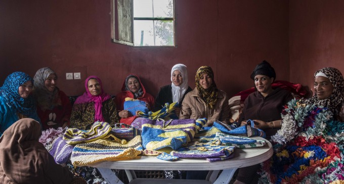 Moroccan Women Entrepreneurs Turn Used Plastic Bags into Handicrafts