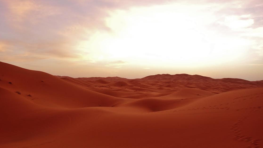 Sunset above the Saharan dunes, Merzouga