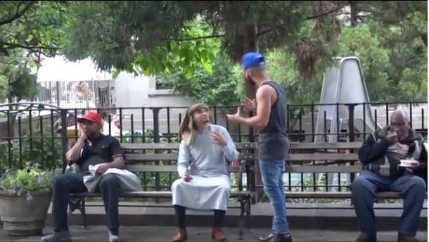 Video: How New Yorkers React to a Muslim Man Being Harassed