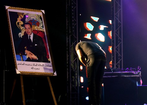 Faudel's Bow to Morocco's King Mohammed VI Stirs Controversy in Algeria,