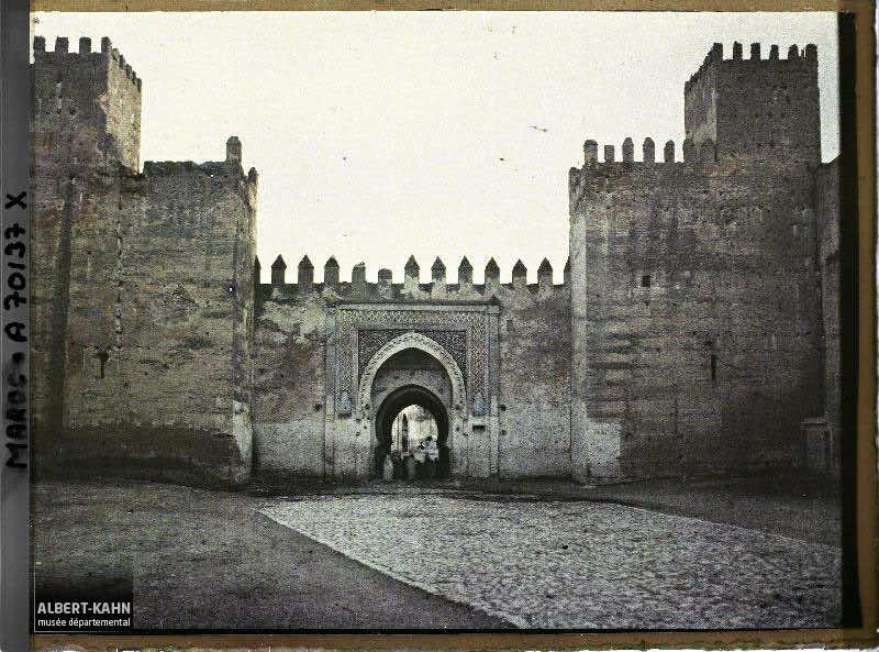 Bâb es Seba, Fès, Maroc, janvier 1913, (Autochrome, 9 x 12 cm), Stéphane Passet, Département des Hauts-de-Seine, musée Albert-Kahn, Archives de la Planète, A 70 137 X
