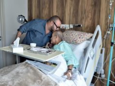 King Mohmmaed VI Visits Abderrahman Youssoufi in Hospital