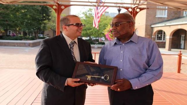 Moroccan American Business Owner Honored with Key to the City of Alexandria